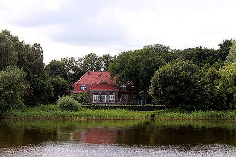 haus_from_lake